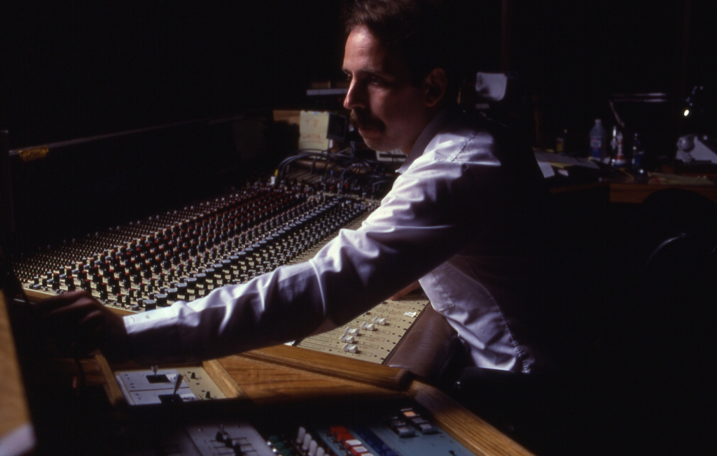 Walter-Murch-mixing-Apocalypse-Now-1979